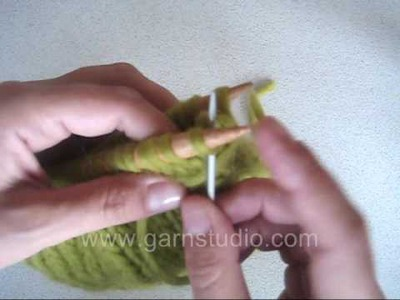 DROPS Knitting Tutorial: How to do kitchener stitch. grafting. weaving