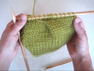 DROPS Knitting Tutorial: How to knit a pleat