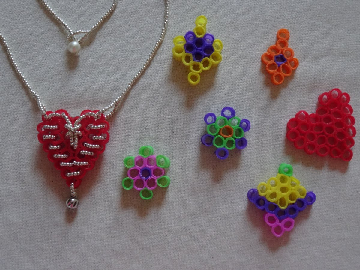How to make a heart necklace with recycled drinking straws( no glue used) Valentine's day craft