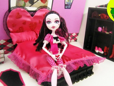 Monster High Tutorial: Draculaura Doll Bed - Recycling - Doll Crafts