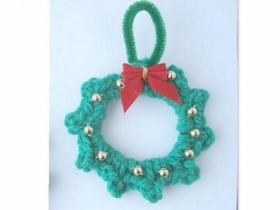 HOW TO CROCHET A MINI-WREATH ORNAMENT