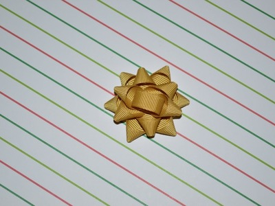 CLASSIC GIFT PACKAGE BOW Ribbon Sculpture Christmas Holiday Hair Clip DIY Free Tutorial by Lacey