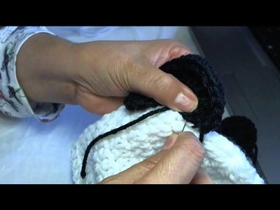 How to crochet a panda beanie - video 2