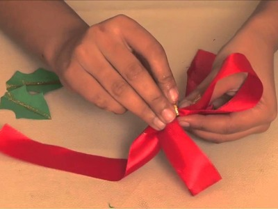 How to make a Christmas Bow - Arts and Crafts