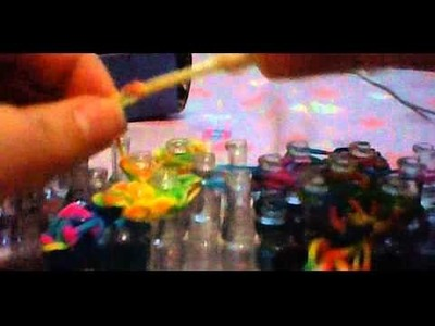How To Make Foxy The Pirate(Five Nights At Freddy's) In Rainbow Loom. Part 11