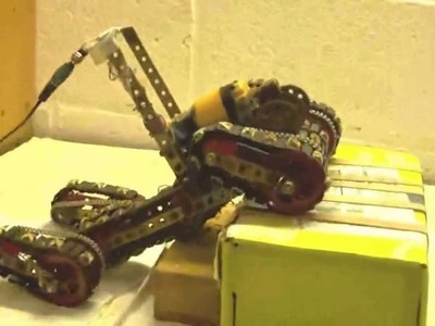 Meccano Erector Model with 4 epicyclic tracks in action