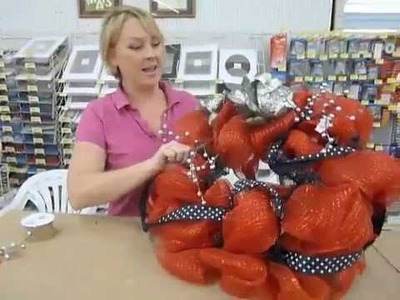 Crankin' Out Crafts ep181- Repurposed Mesh Wreaths