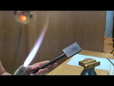 Lampwork bead tutorial ROBOT by eskiebeads