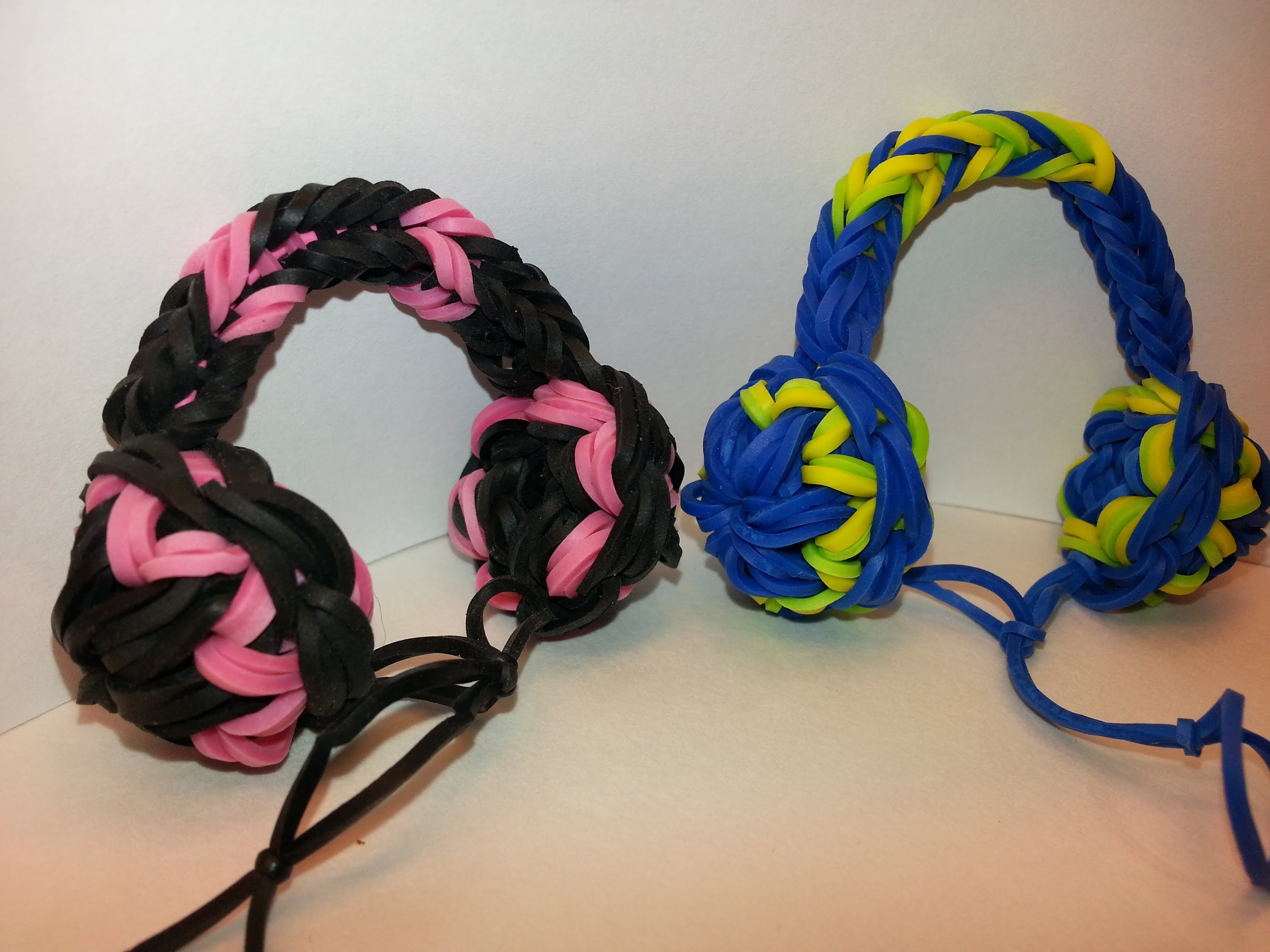Headphones Charm Tutorial by feelinspiffy (Rainbow Loom)