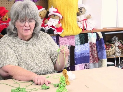 How to Knit a Tiny Christmas Tree : Holiday Crafts & Decorations