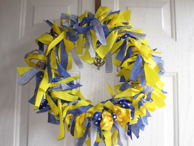 DIY How to Fabric Wreath - Super Easy and Cute