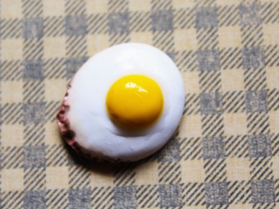 DIY: Fried Egg Polymer Clay Magnet Tutorial