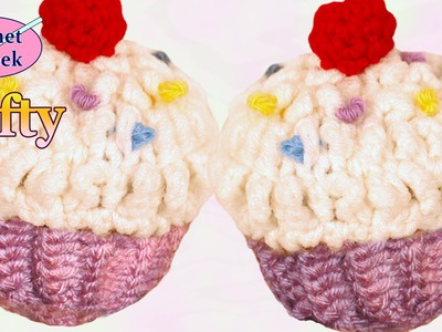 Left Hand Crochet - How to make a Crochet Cupcake left Hand Version Crochet Geek