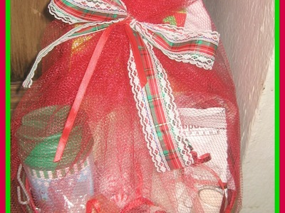 DIY: How to make Christmas Gift Basket from the DOLLAR STORE.Easy DIY Christmas Gifts