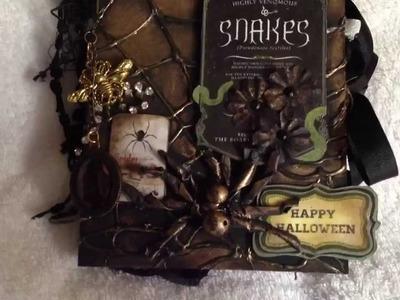 Scrapbookgiggles Halloween mini album so cool! Spooky!