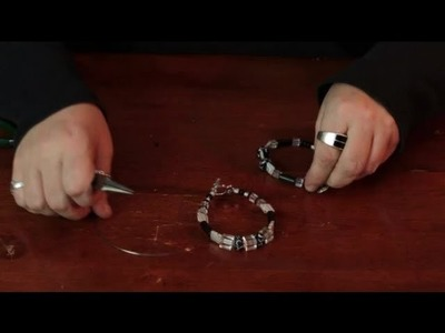 How to Use Memory Wire for Jewelry : Assorted Crafts