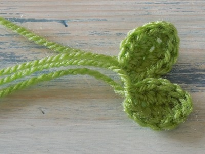 (Crochet) How To - Crochet a Small Leaf