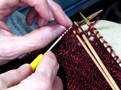 Fixing a Mistake in Lace Knitting.MOV