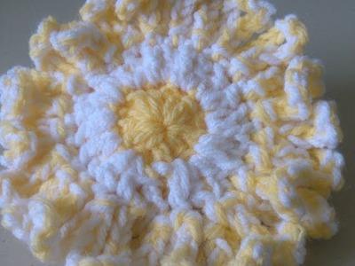 How to Crochet a flower -  sunflower look