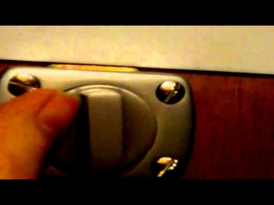 Letterbox latch lock - simple DIY idea
