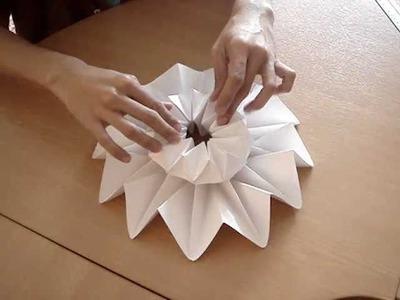 Mann craft  origami flower vase