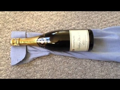 DIY: Men's Gift Wrapping - Wine & Cuff Links  (Day 30 - Christmas Gift Ideas)