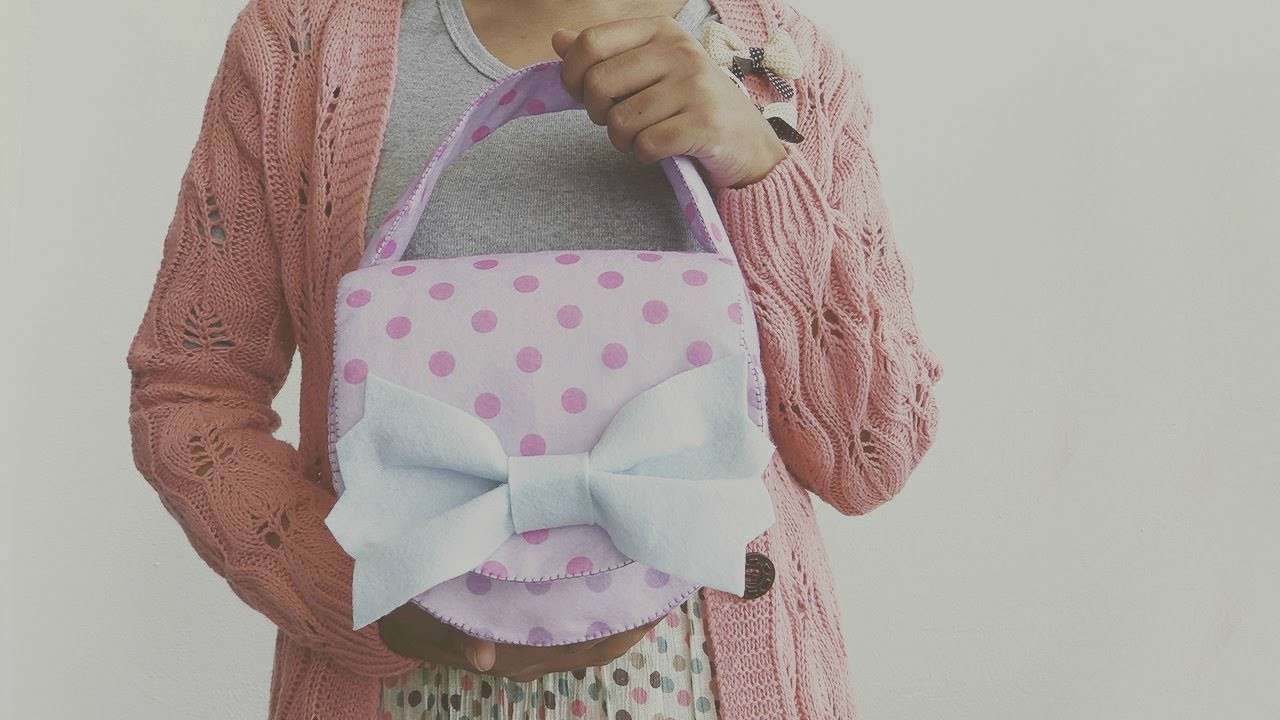 DIY Felt Camera Bag Tutorial