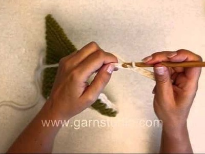 DROPS Crochet Tutorial: How to crochet tie string