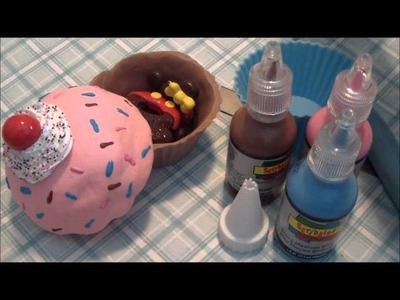 25 Days of Christmas Crafts: Polymer Clay Cupcake Container