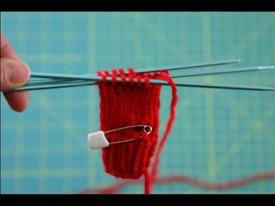 Tutorial: How to knit miniature mittens for dolls