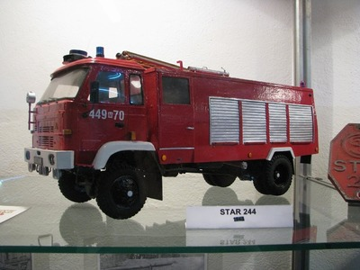 Piotr Zegarski's papercraft fire truck replicas - 2010 exhibition