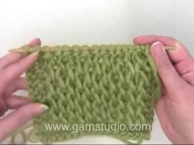 DROPS Knitting  Tutorial: How to work a waffle pattern.