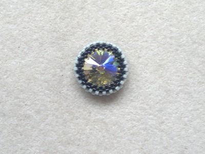 Beading4perfectionists : How to bezel an 18mm Swarovski Rivoli beading tutorial ( part 1)