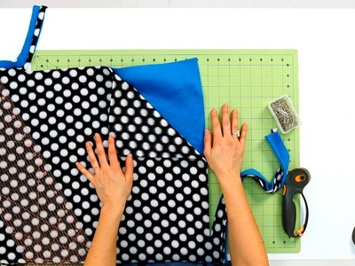 How to Trim Fabric for Fleece Blanket | No-Sew Crafts