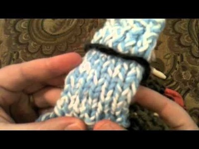Loom Knitting vs. Knitting: The Knit Stitch