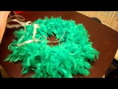 12 DIY Days of Christmas 6 Simple Feather Wreath