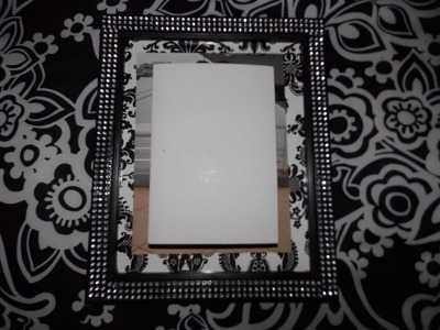 DIY DAMASK PRINT CUSTOMIZED PICTURE FRAME
