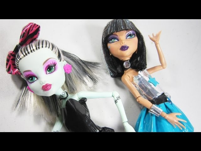 Make duct tape (duck tape) clothes for your Monster High doll - Doll Crafts