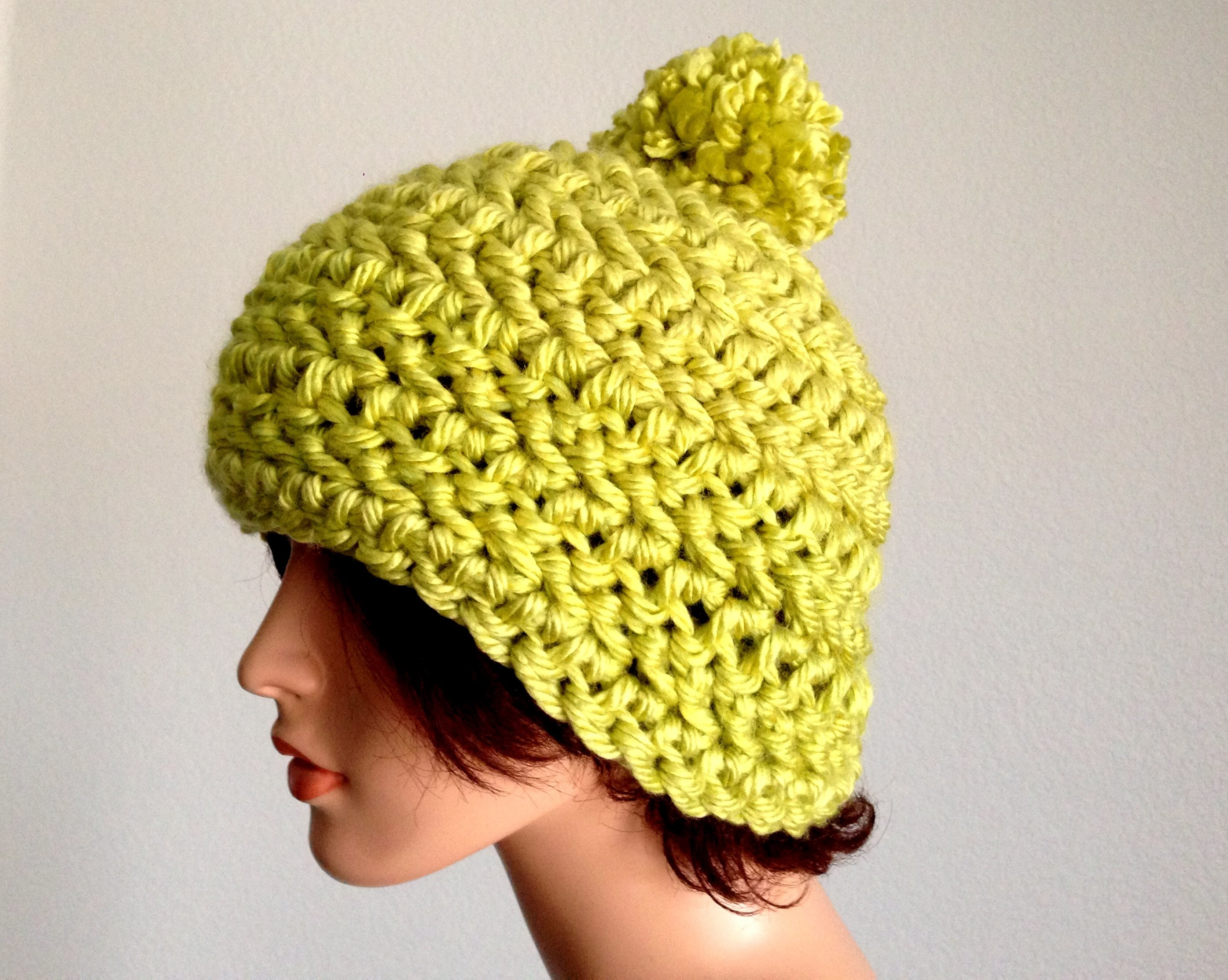 30 Minutes Project 2: How To Crochet a Chunky pom Pom Beanie