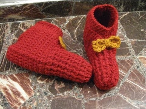 Simple Crocheted Booties - Left Handed Crochet Tutorial
