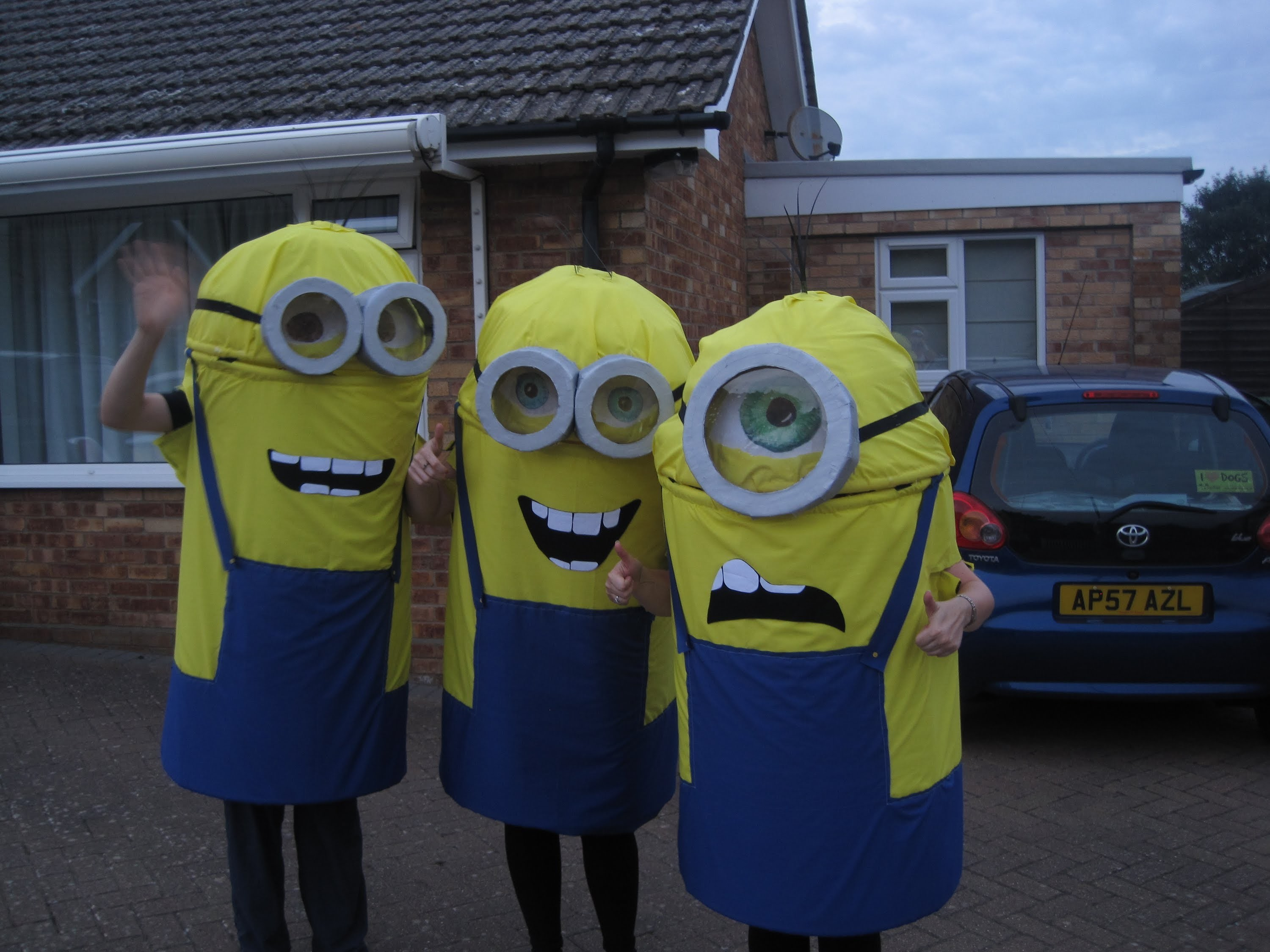 Instructable DIY: How do you make a Minion costume? (Despicable Me halloween fancy dress costume)!