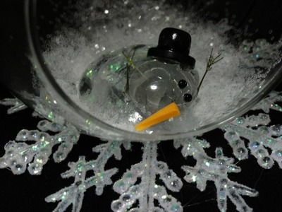 Melted Snowman Ornament with CookingAndCrafting