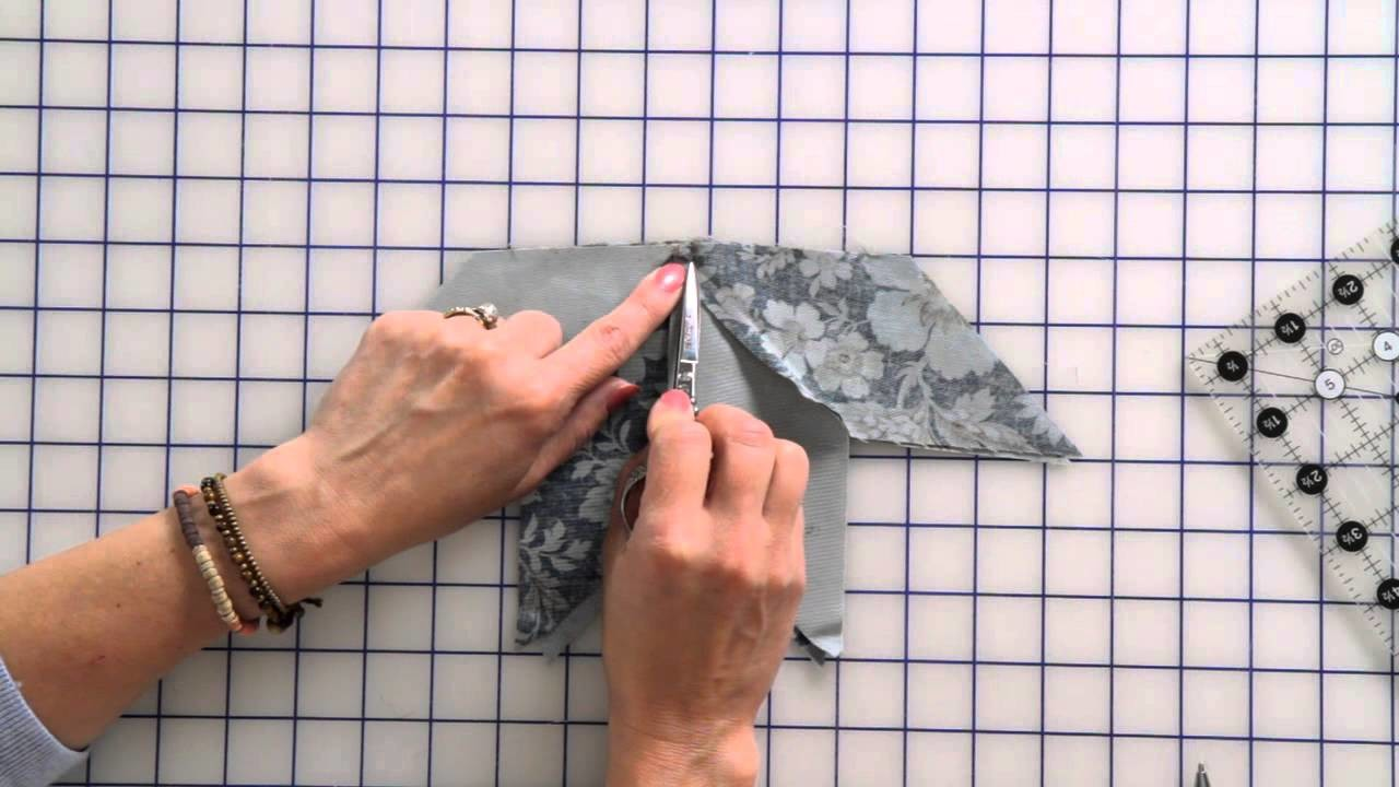 How to Sew a Beginner Eight-Point Star Quilt Block by Edyta Sitar -- Fat Quarter Shop