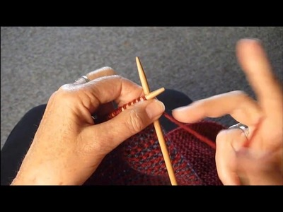 KNIT A KEY HOLE IN A SCARF