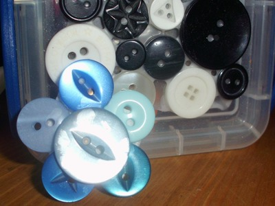 3 Easy Button Crafts