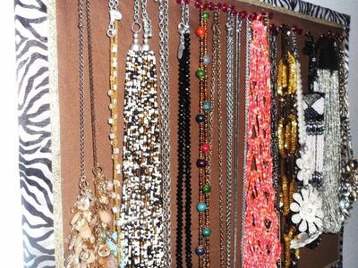 DIY: Cute Necklace Display