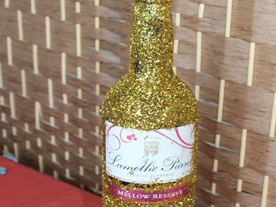 DIY: Glitter Bottle (Gift Idea)