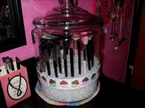 How to:  Makeup Brush Jar
