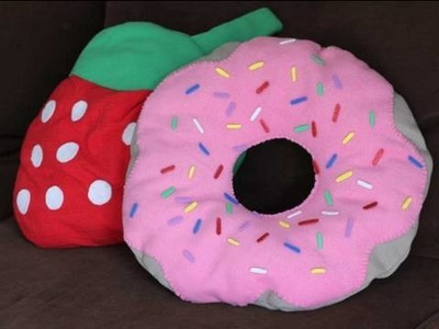 DIY Donut Pillow w. Strawberry Frosting How to Make