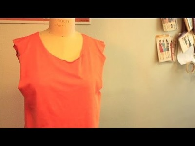 How to Cut a T-Shirt Easily : DIY Fashion Projects